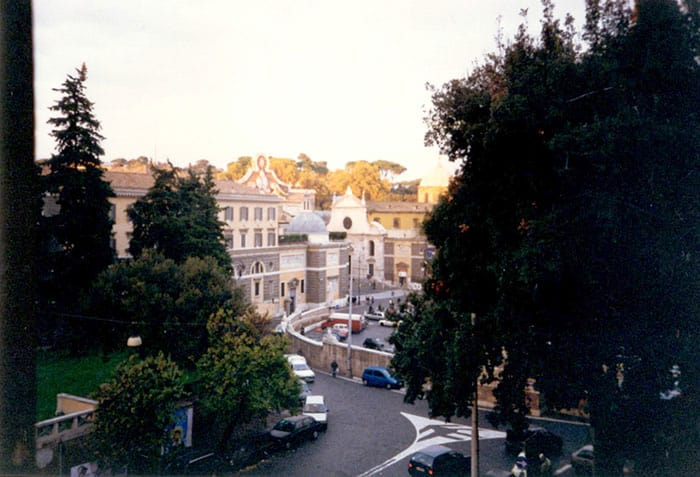 Outside view of Piazza del Popolo from third apartment in Rome: the mold made me move.